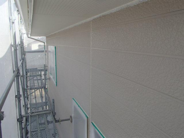 下塗り塗装中 外壁塗装