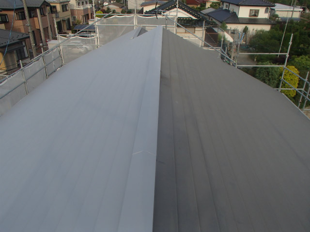 ローラー トタン屋根 錆び止め塗装