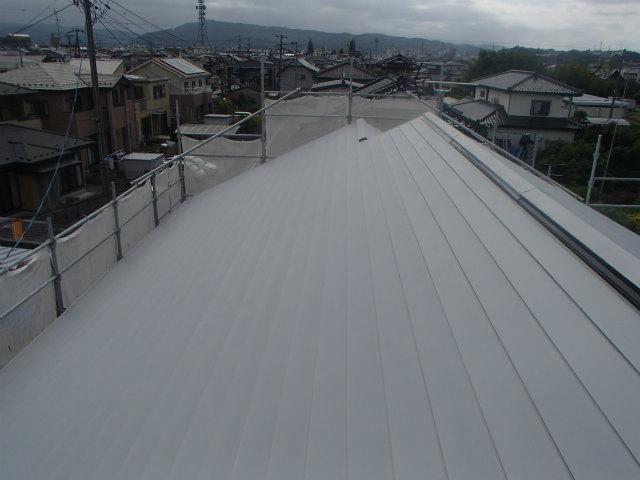 北面 トタン屋根