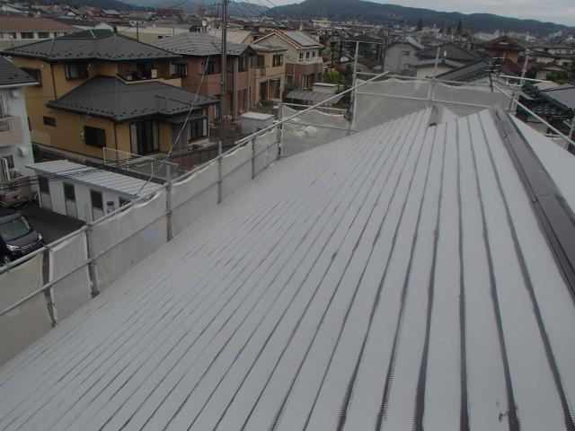 トタン屋根 ハゼ 上塗り1回目