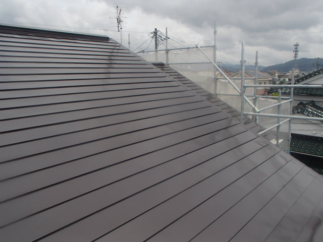 トタン屋根 上塗り2回目完了