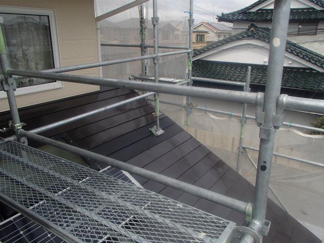 ジャッキベース トタン屋根