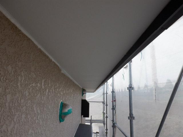 軒天塗装 上塗り2回目