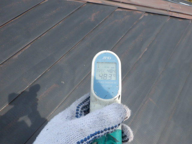 9時 トタン屋根 表面温度