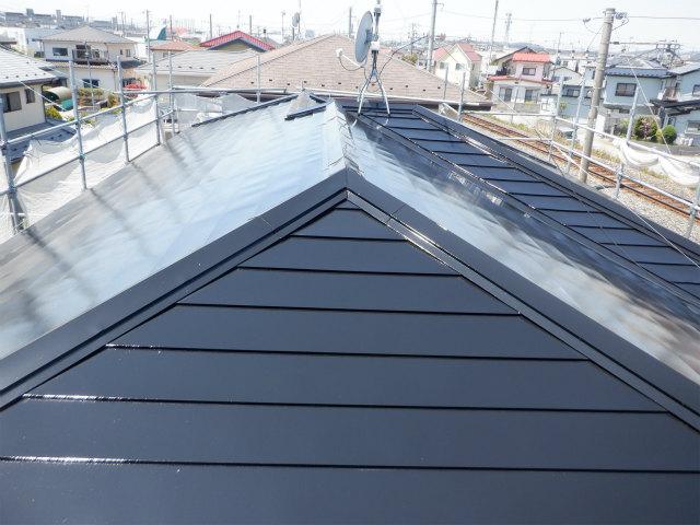 上塗り1回目 トタン屋根塗装