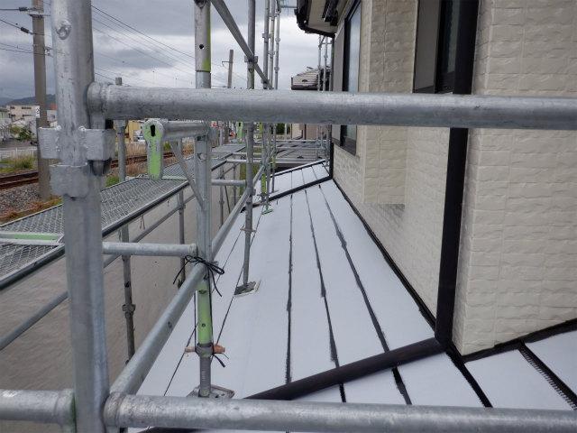 1階 トタン屋根 刷毛塗り