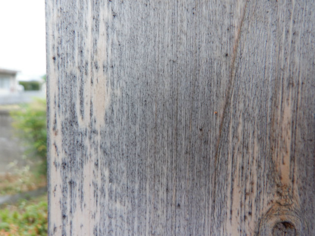 木材保護塗料 クリヤー 5年後 柱