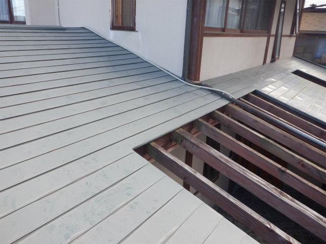 耐摩カラー トタン屋根
