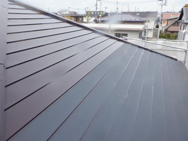 東面 上塗り1回目 トタン屋根塗装 宮城県石巻市仙台市