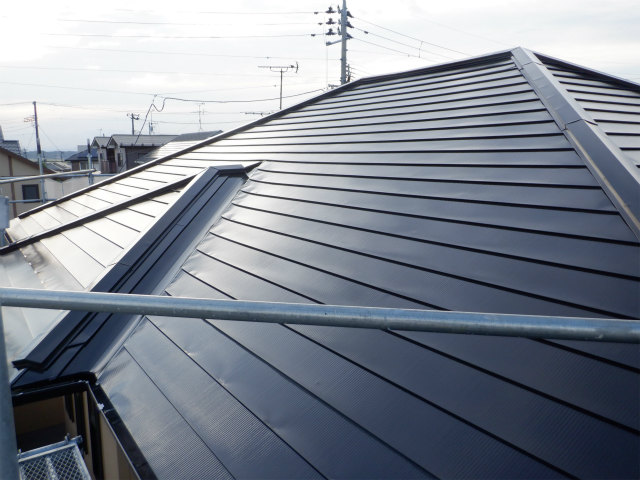 上塗り1回目完了 トタン屋根塗装 宮城県石巻市仙台市