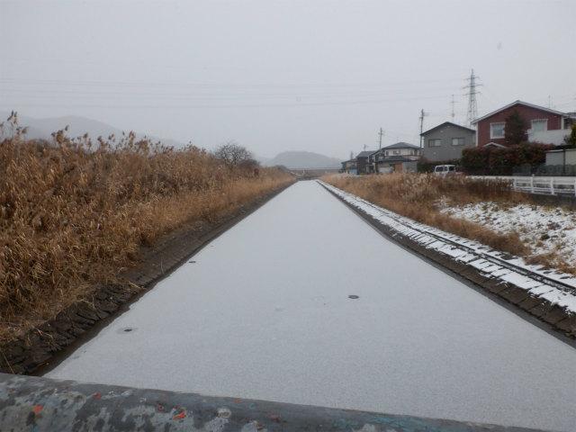 小川 用水路