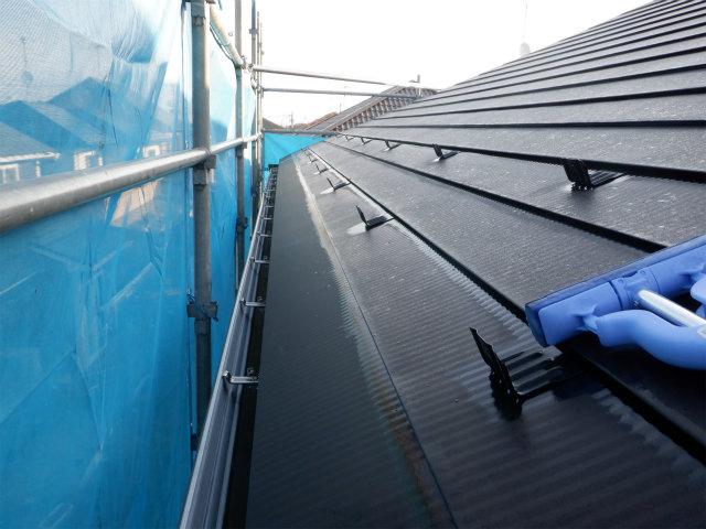 トタン屋根塗装 北面 夜露 除去