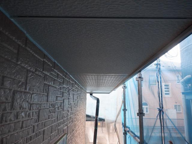 1階軒天上塗り1回目~2回目