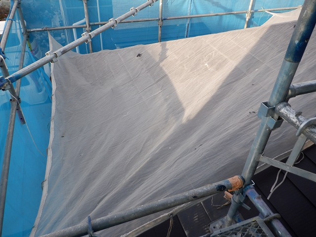 トタン屋根 夜露対策