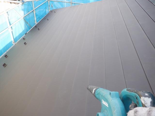 ブロワ トタン屋根 清掃