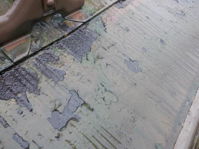 カラーベスト 屋根 塗膜剥がれ