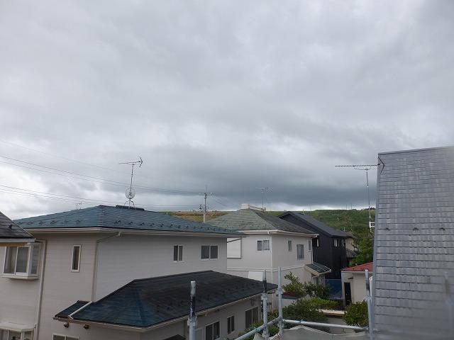 微妙な天気です。